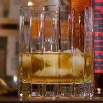 domači koktajli z burbonskimi fotografijami