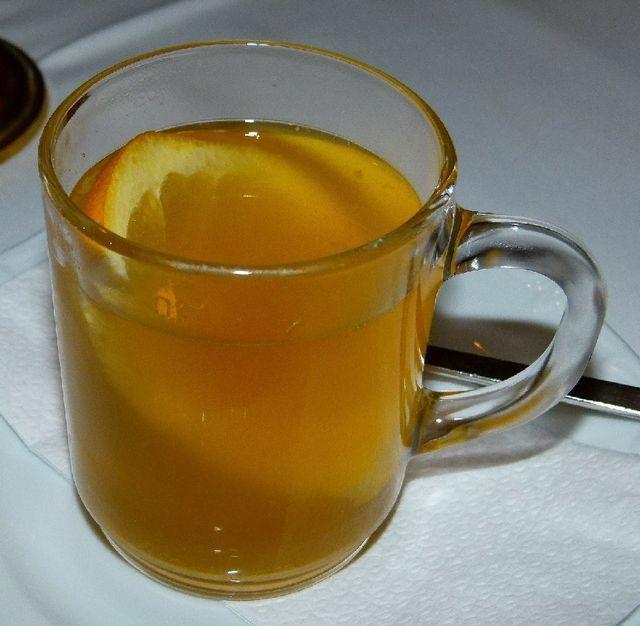 fotografije vročega burbona z jabolčnim sokom
