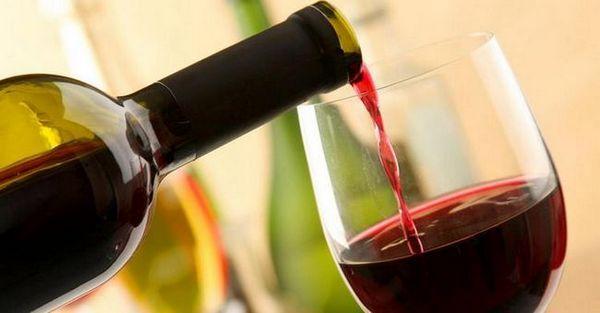 Vinul roșu uscat din Azerbaidjan este de asemenea special.
