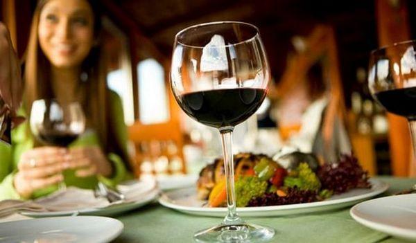 Aperitivele pentru astfel de vinuri pot varia în funcție de tipul de vin.