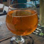 fotografija alkoholnog pića hvalisava