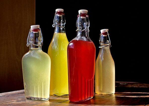 Vinska mešanica jagodnih sokov