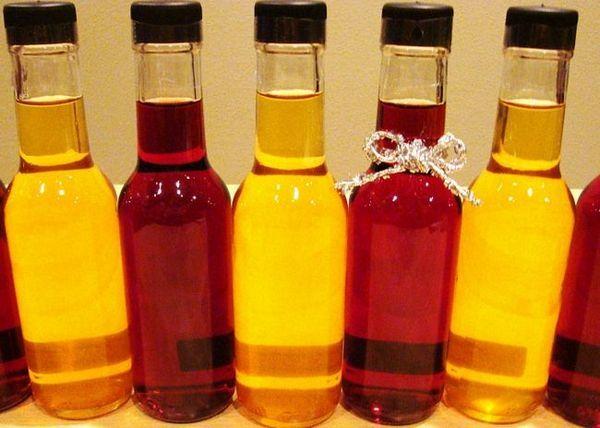 Filtriramo vino in prelijemo v steklenice