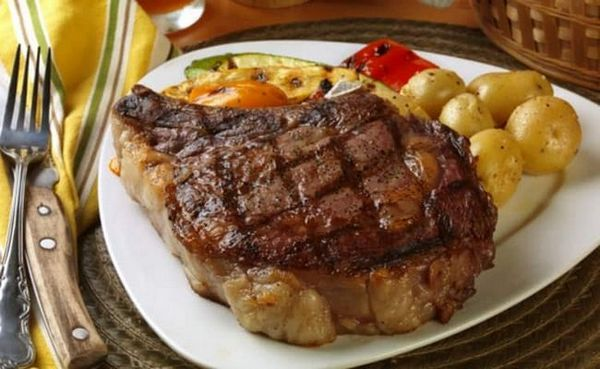 Ідеально поєднується з легким сидром м`ясо.