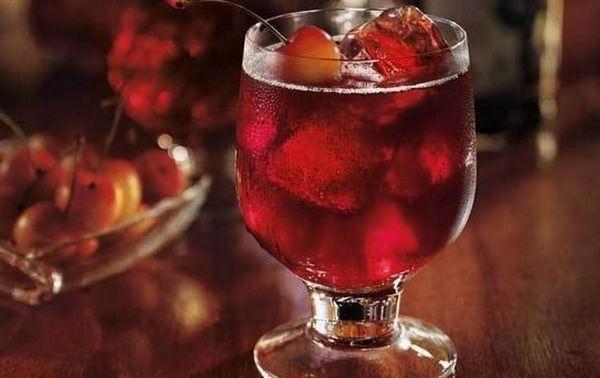 На основі цього напою роблять і коктейлі.