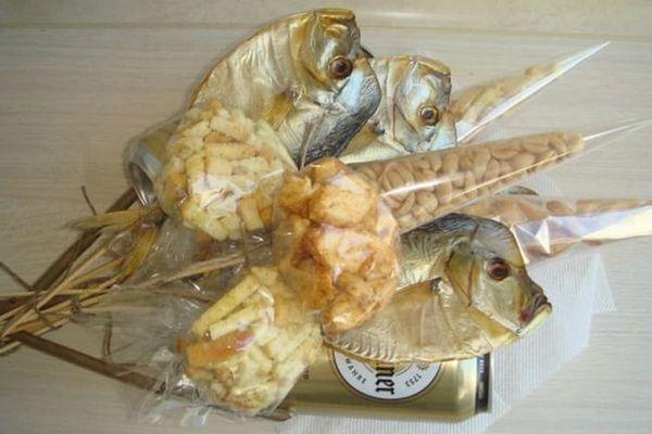 В`ялена рибка додається в букетик