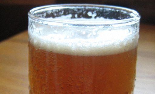 Домашній квас з житнього борошна пити охолодженим