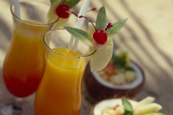 Смачний коктейль Багама Мама