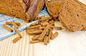 Робимо сухарики з хліба