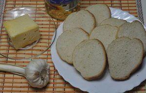 Грінки з часником з білого хліба