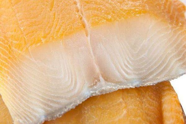 Дізнайтеся правильні назви копченої риби до пива.