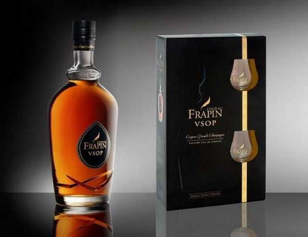 Такий напій стане ідеальним подарунком для справжнього цінителя міцного алкоголю.