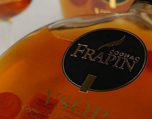 Коньяк Frapin особливий, кожен бленд має своє забарвлення.