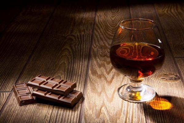 фото коньяку з шоколадом