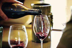 Вино во чаши