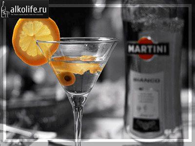 martini s fotografijom maslina