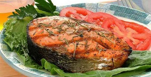 Hruška vodka s pečenými rybami