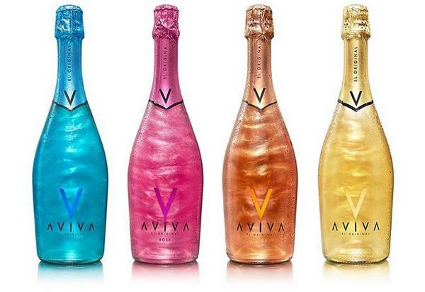 fotografia šampanského s iskrami Aviva