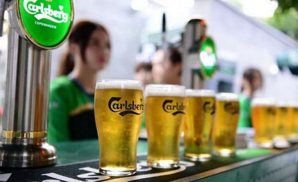 Jak podávat carlsbergské pivo