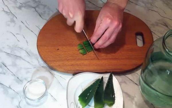 Předpis pro výrobu tequily doma. nasekejte aloe