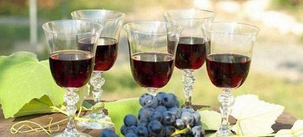Простий рецепт вина з Ізабелли в домашніх умовах
