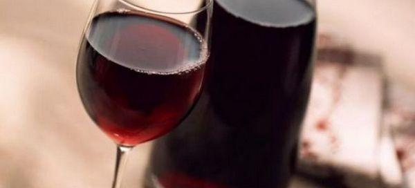 Retete simple pentru vinuri de casa