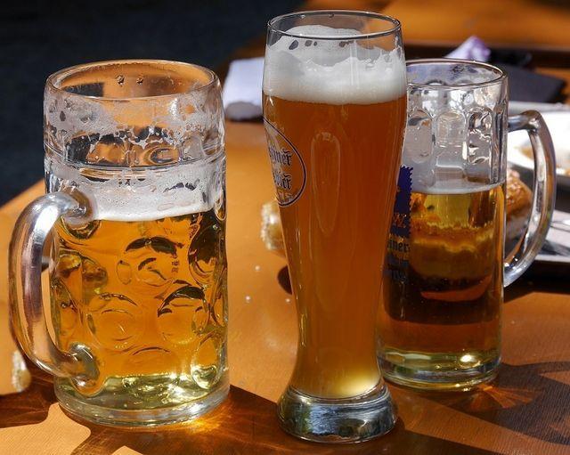 fotografie bere de grâu nefiltrată