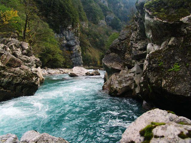 Фотографија на реката Псоу