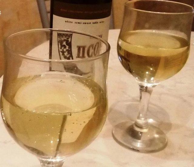 Вино Псоу во чаша