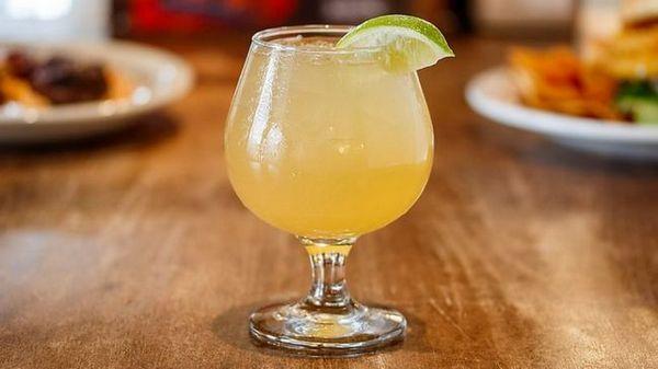 алкогольний імбирний ель з родзинками рецепт