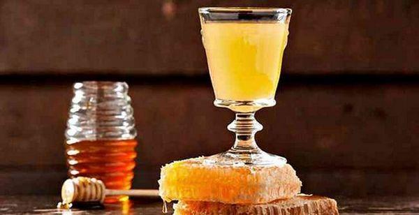 Vodka cu proprietăți de băuturi cu miere