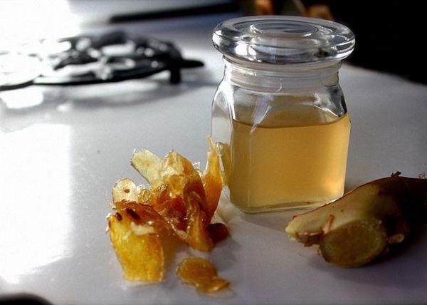 Tinktúra z koreňa zázvoru na vodke s medom