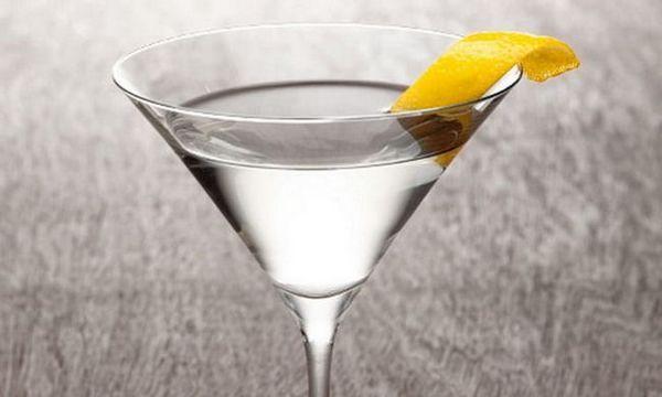 koktel martini votka sok nazvan vodkatini