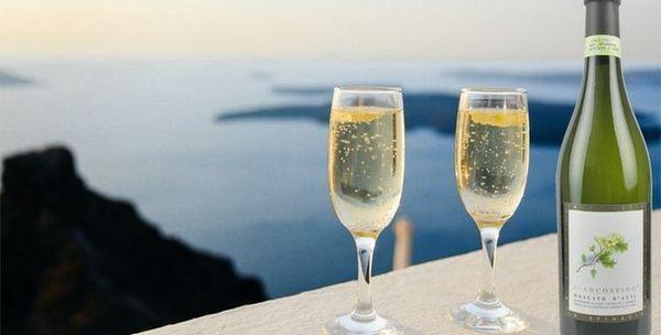 Moscato Champagne je vyrobené zo špeciálneho hrozna Muscat.
