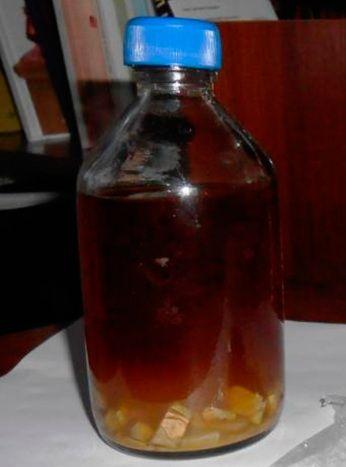 cum se face tinctura de alcool de casa pe fotografia de propolis