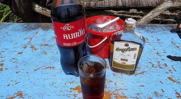 Ром Санг Сом можна пити і в чистому, і в розведеному вигляді.