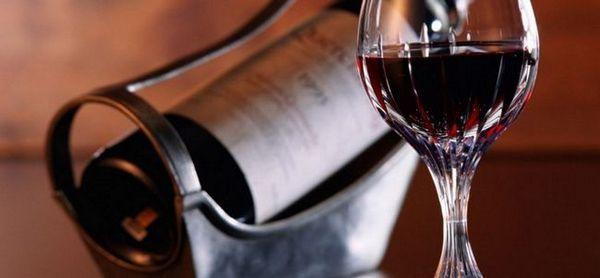 Aflați ce este Cahors și cum se diferențiază de alte vinuri roșii.