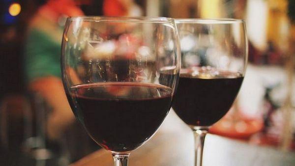 полу-слатко црвено вино psou