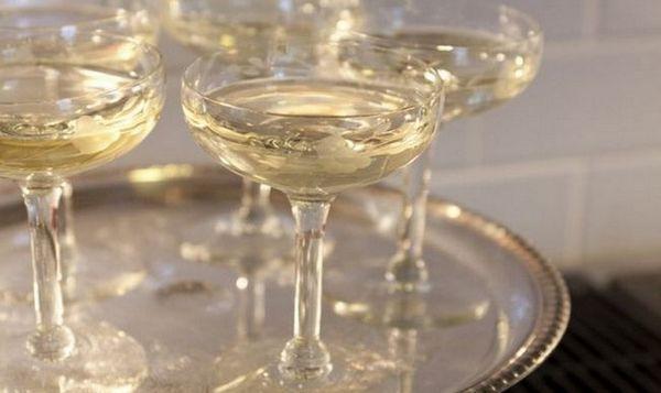 Volumen čaše šampanjca može varirati.