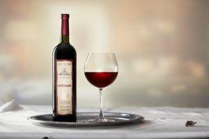 мукузани вине2